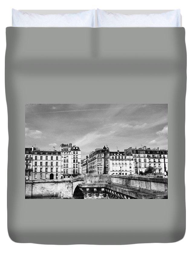 Paris Duvet Cover featuring the photograph Vintage Paris 5b by Andrew Fare
