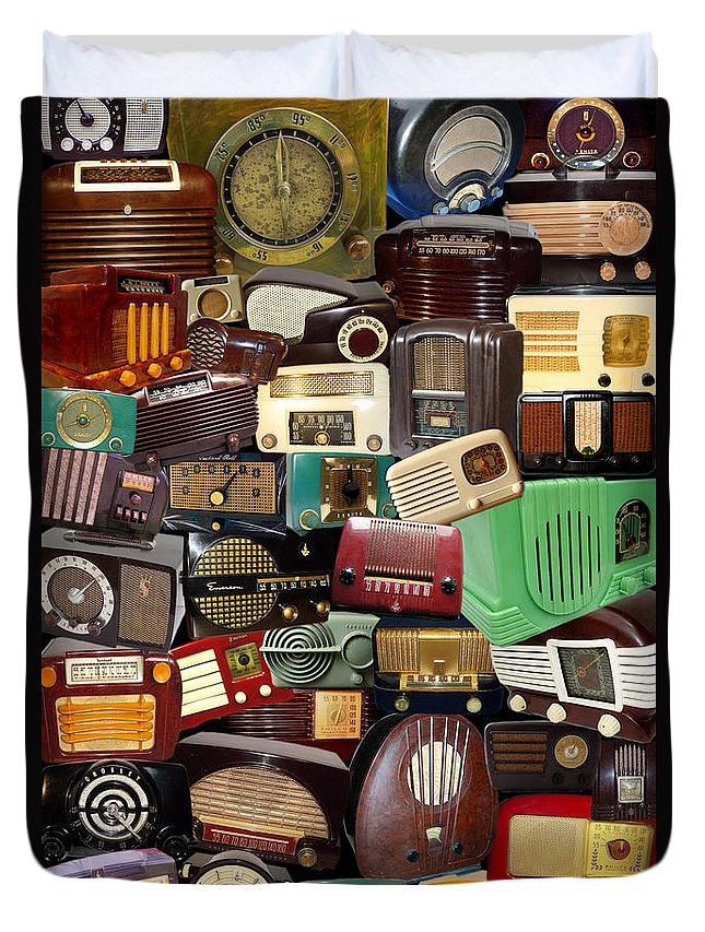 Radios Duvet Cover featuring the photograph Vintage Radios by Andrew Fare