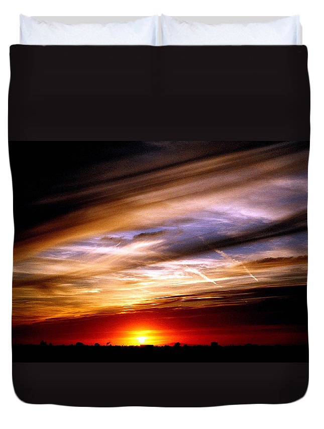 Sunset Duvet Cover featuring the photograph Vista Nobleza by Andre Aleksis