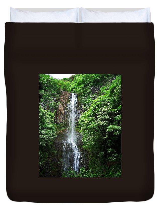 Waikani Falls Duvet Cover featuring the photograph Waikani Falls At Wailua Maui Hawaii by Connie Fox
