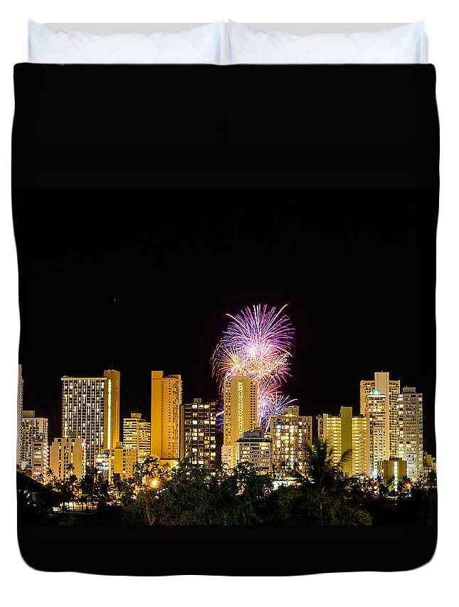 Fireworks Duvet Cover featuring the photograph Waikiki Party 4 by Jason Chu