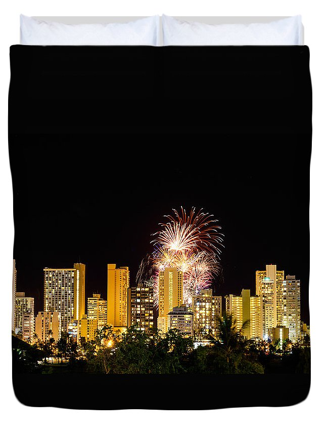 Fireworks Duvet Cover featuring the photograph Waikiki Party 6 by Jason Chu