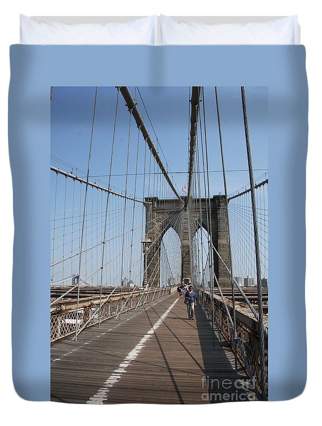 Brooklyn Bridge Duvet Cover featuring the photograph Walking The Bridge by Christiane Schulze Art And Photography