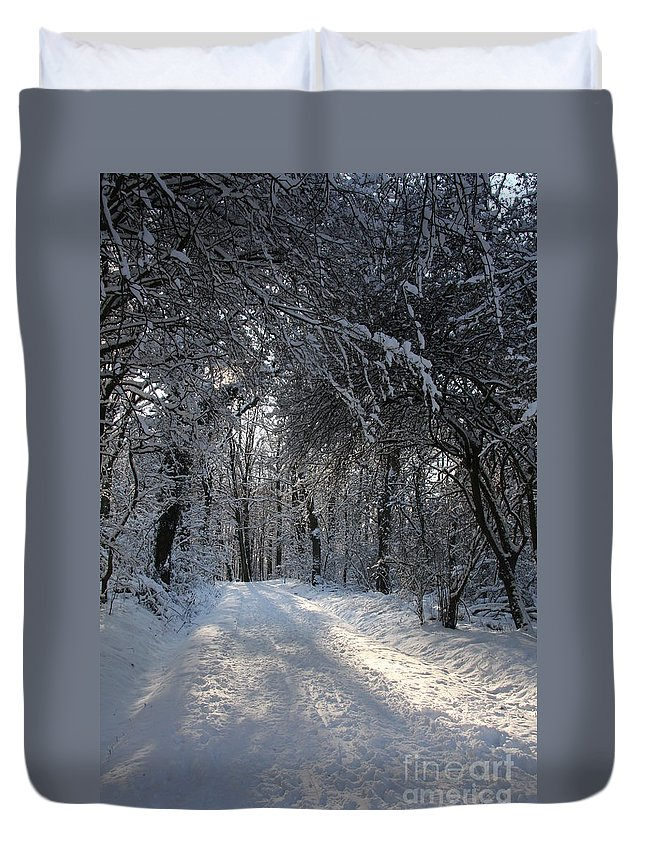 Winter Duvet Cover featuring the photograph Walkway In Black And White by Christiane Schulze Art And Photography