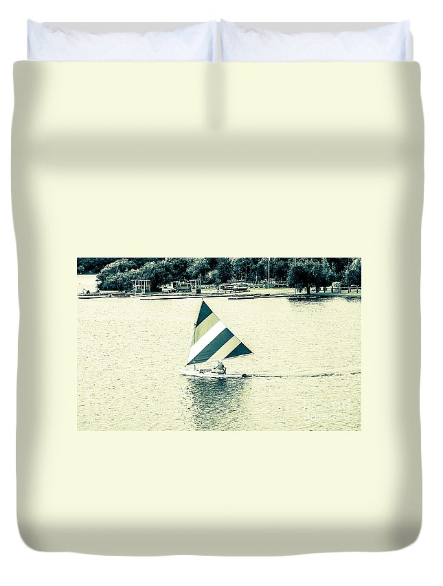 Boating Duvet Cover featuring the photograph Wascana-20 by David Fabian