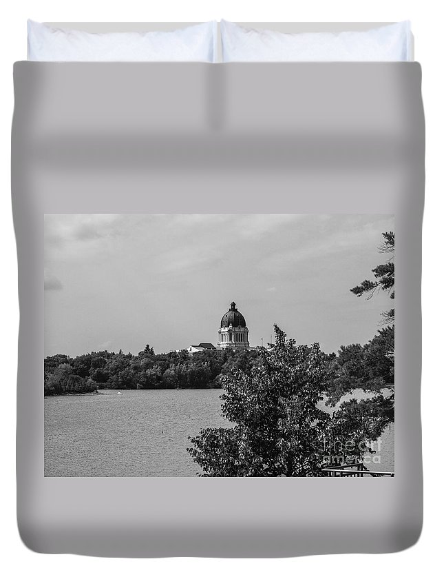 Parlement Duvet Cover featuring the photograph Wascana-30 by David Fabian
