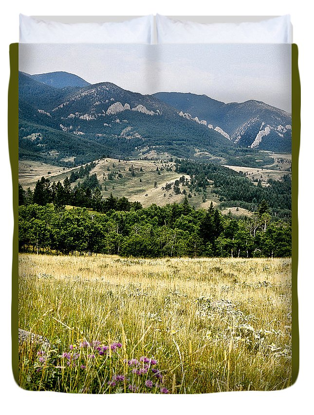Wilderness Duvet Cover featuring the photograph Washake Wilderness by Kathy McClure