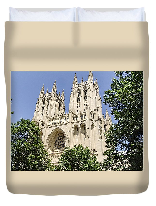 Washington Dc Duvet Cover featuring the photograph Washington Cathedral 5 by Eric Swan