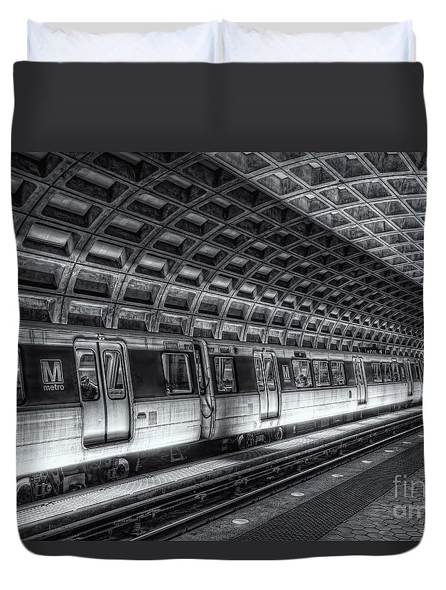Clarence Holmes Duvet Cover featuring the photograph Washington Dc Metro Station Vi by Clarence Holmes