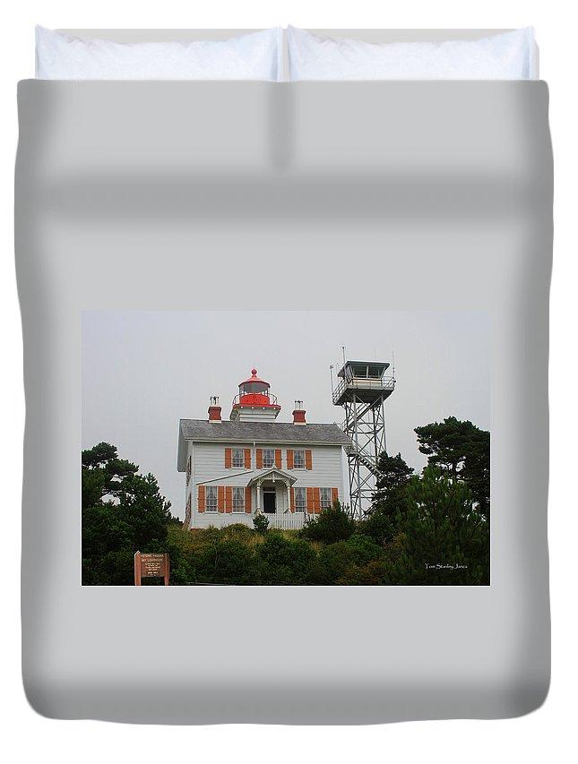 Washington Light House Duvet Cover featuring the photograph Washington Light House by Tom Janca