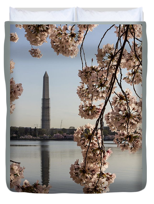 Washington Dc Duvet Cover featuring the photograph Washington Monument Framed By Blossoms by Leah Palmer