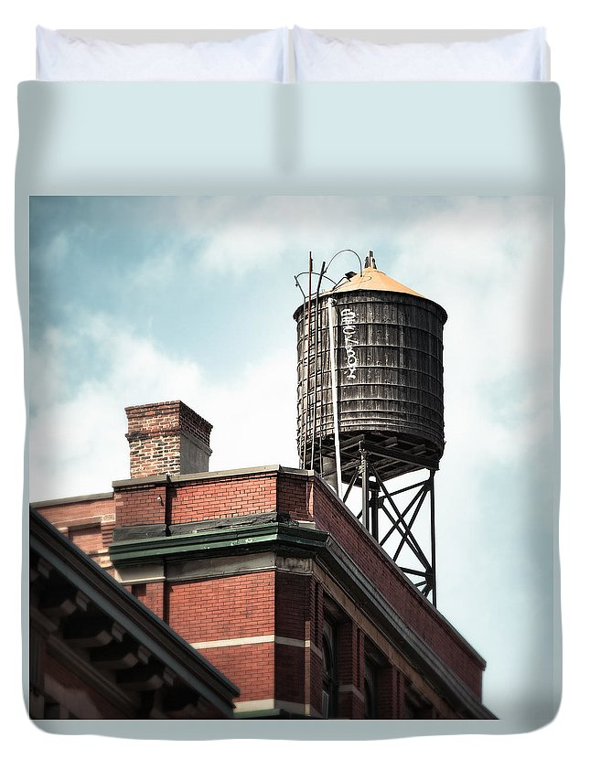 New York Duvet Cover featuring the photograph Water Tower In New York City - New York Water Tower 13 by Gary Heller