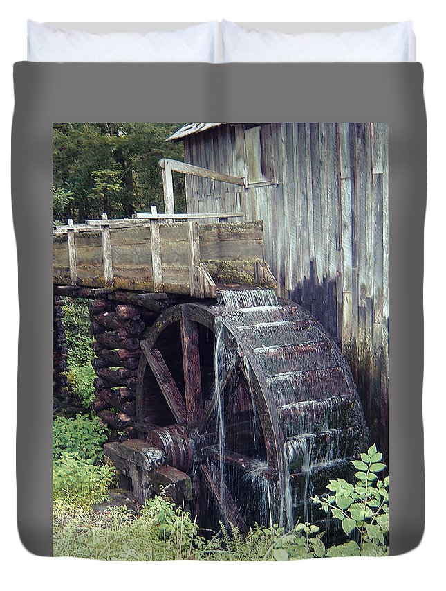 Waterwheel Duvet Cover featuring the photograph Water Wheel by Phyllis Taylor