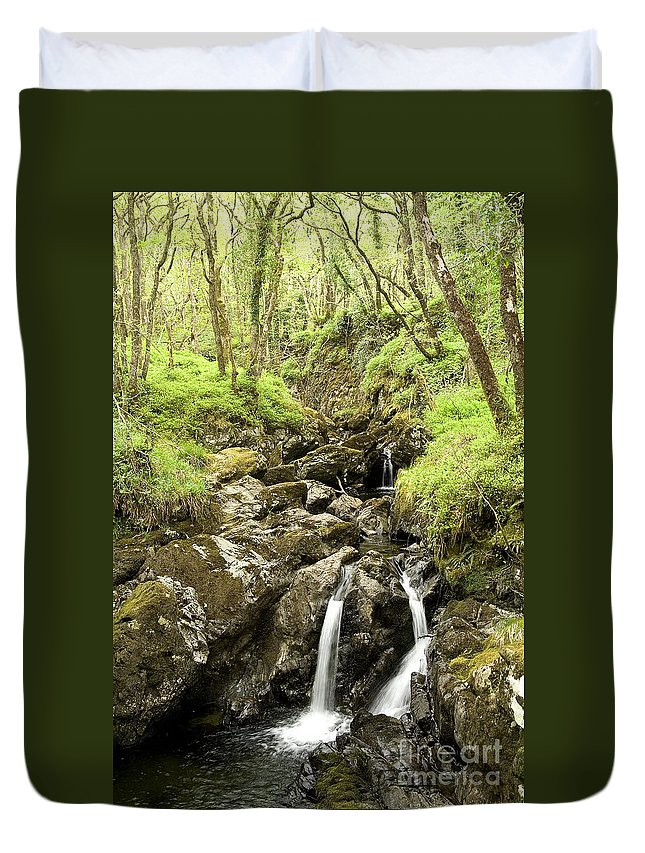 Waterfall Duvet Cover featuring the photograph Waterfall Through Woodland by Liz Leyden