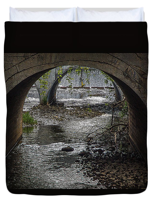 Waterfall Duvet Cover featuring the photograph Waterfall Under Railroad Tracks by Melvin Busch
