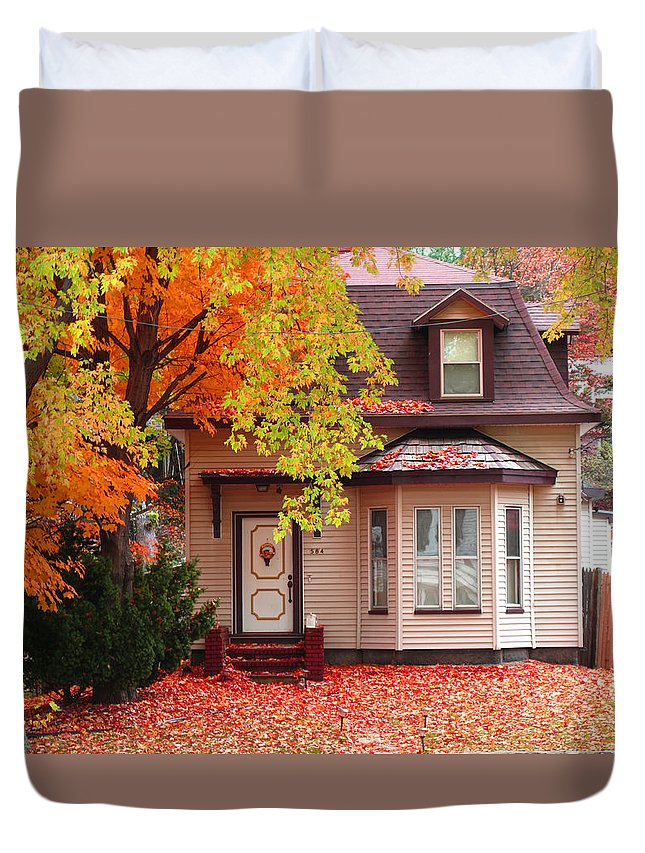 Foliage Duvet Cover featuring the photograph Weekend Work by Barbara McDevitt