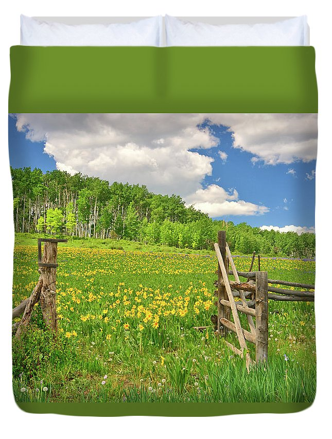 Tranquility Duvet Cover featuring the photograph Welcome To Heaven On Earth by Amy Hudechek