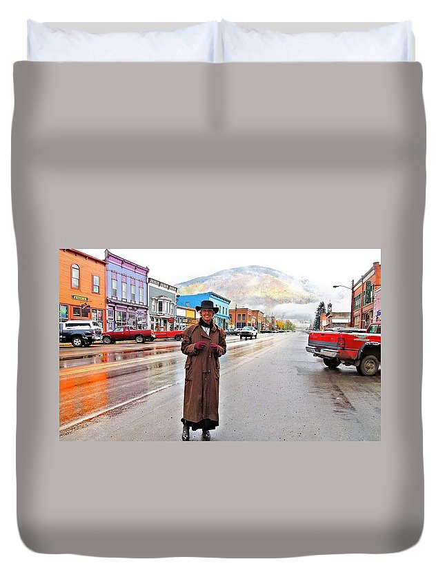 Photo Duvet Cover featuring the photograph Welcome To The West by Laura Ragland