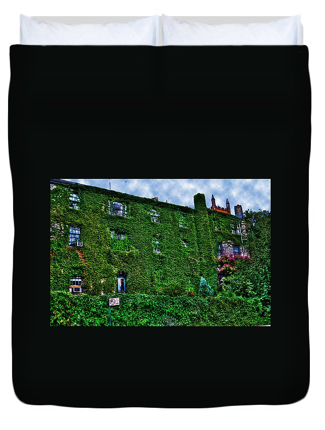 Nyc Duvet Cover featuring the photograph West Village Townhouse Ivy by Randy Aveille
