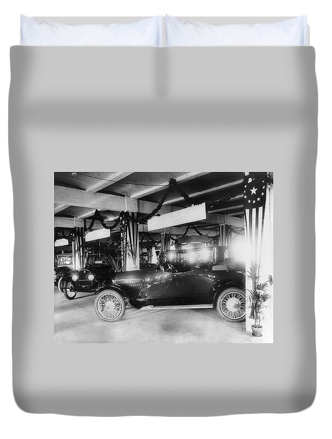 1917 Duvet Cover featuring the photograph Westcott Automobiles, 1917 by Granger
