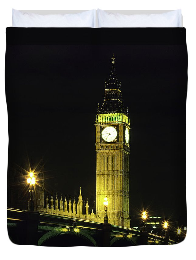 Gothic Style Duvet Cover featuring the photograph Westminster Bridge And Big Ben At by Hisham Ibrahim