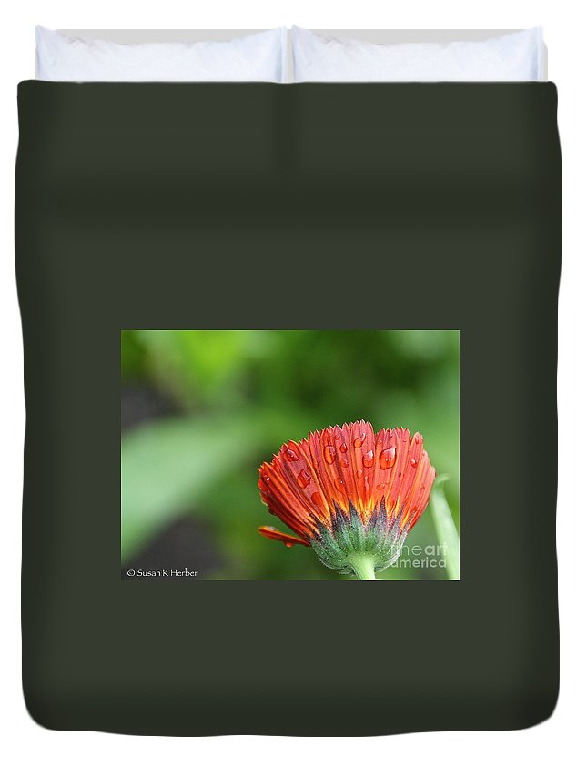 Flower Duvet Cover featuring the photograph Wetback by Susan Herber