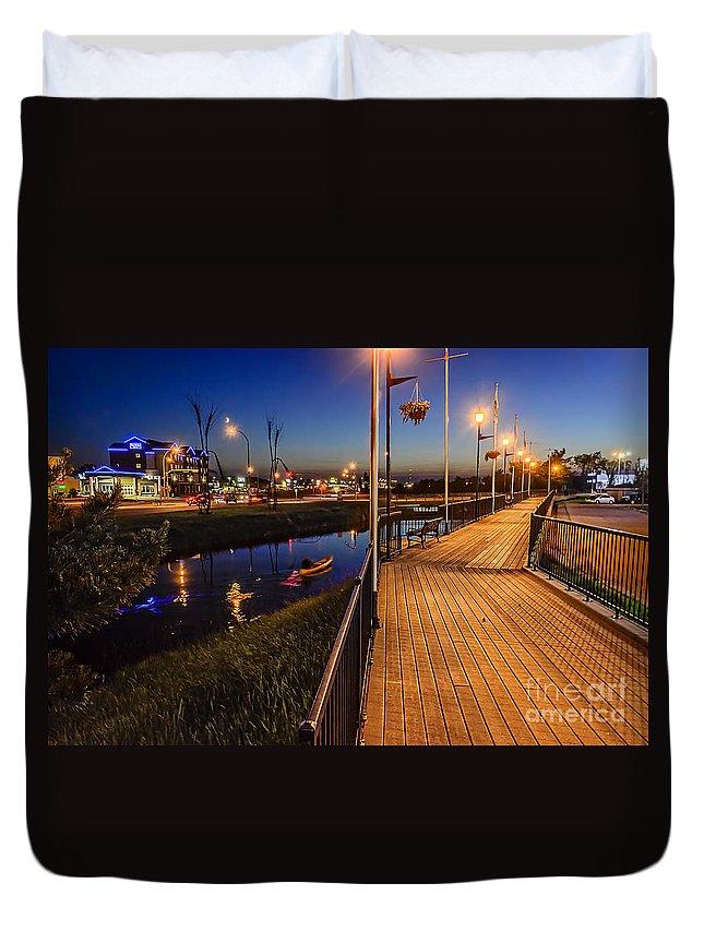 Weyburn Duvet Cover featuring the photograph Embankment Of Weyburn by Viktor Birkus