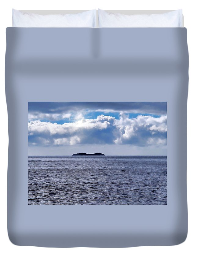 Hawaii Duvet Cover featuring the photograph Whale Watch 5 by Dawn Eshelman