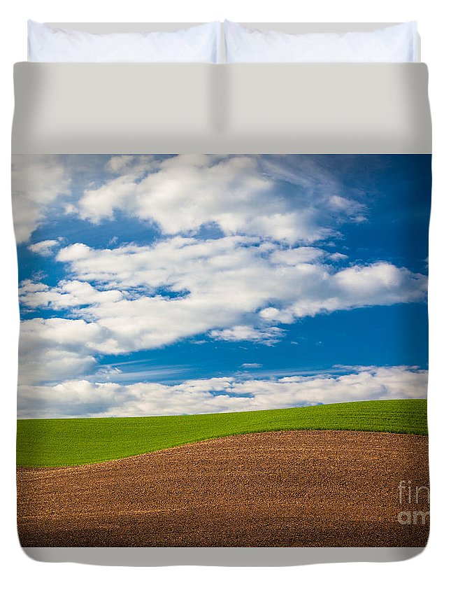 America Duvet Cover featuring the photograph Wheat Wave by Inge Johnsson