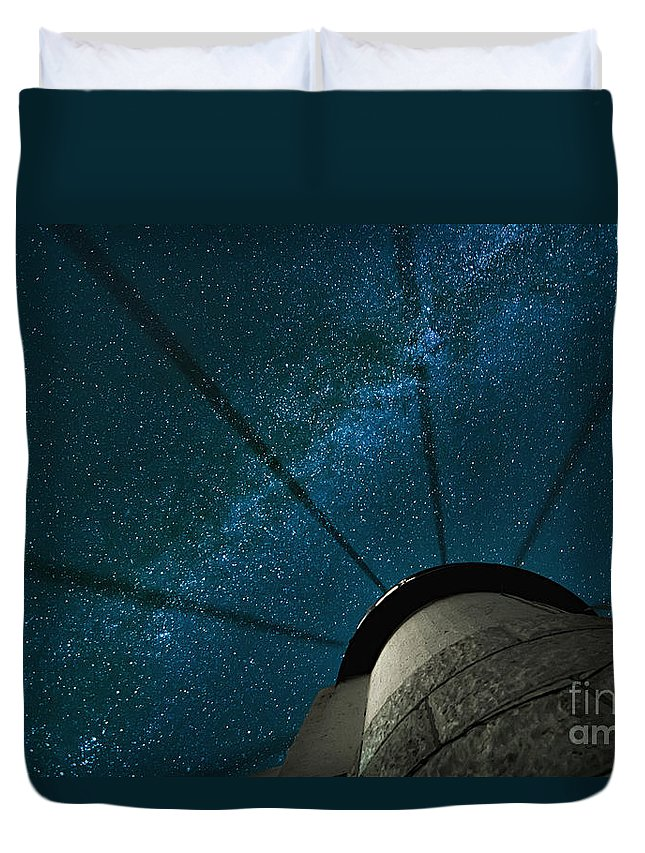 Marshall Point Lighthouse Duvet Cover featuring the photograph Wheel In The Sky by Scott Thorp