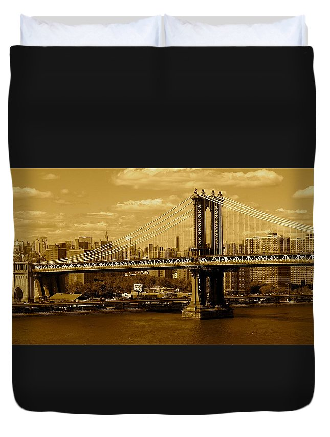 Iphone 5 Cover Cases Duvet Cover featuring the photograph Williamsburg Bridge New York City by Monique's Fine Art