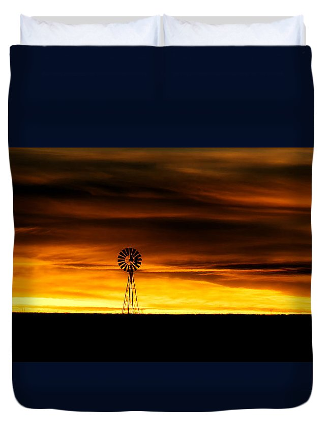 Windmill Duvet Cover featuring the photograph Windmill Sunset by Gary Langley