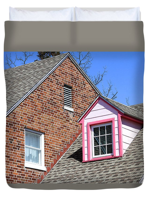 Gettysburg Duvet Cover featuring the photograph Window In Pink by Menachem Ganon