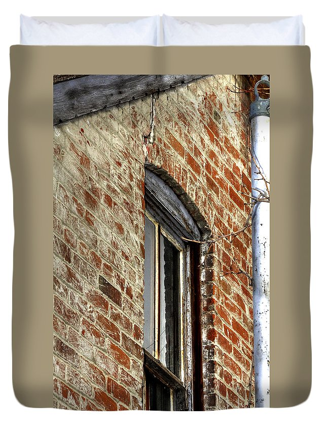 Denver Duvet Cover featuring the photograph Window Pole 13153 by Jerry Sodorff