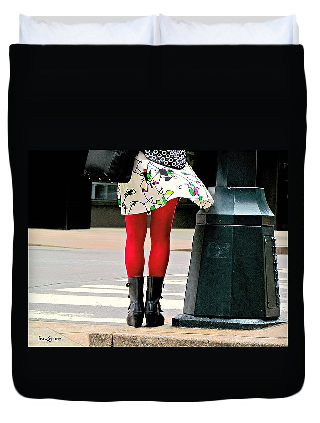 People Duvet Cover featuring the photograph Windy Morning In Manhattan by Barbara Zahno
