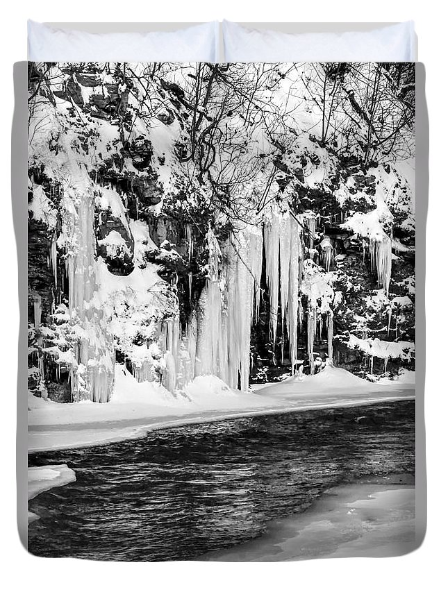Winter Duvet Cover featuring the photograph Winter At The Creek Monochrome by Darleen Stry