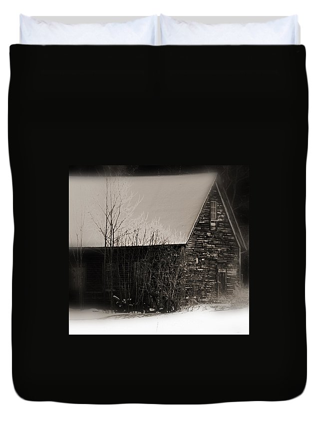 Winter Cabin Duvet Cover featuring the photograph Winter Cabin by Jes Fritze