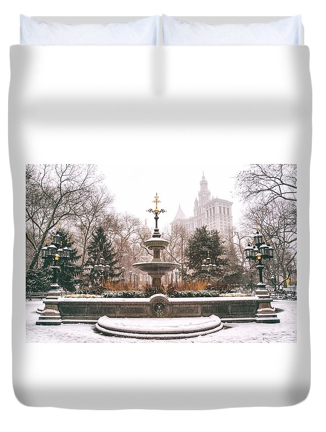 Nyc Duvet Cover featuring the photograph Winter - City Hall Fountain - New York City by Vivienne Gucwa