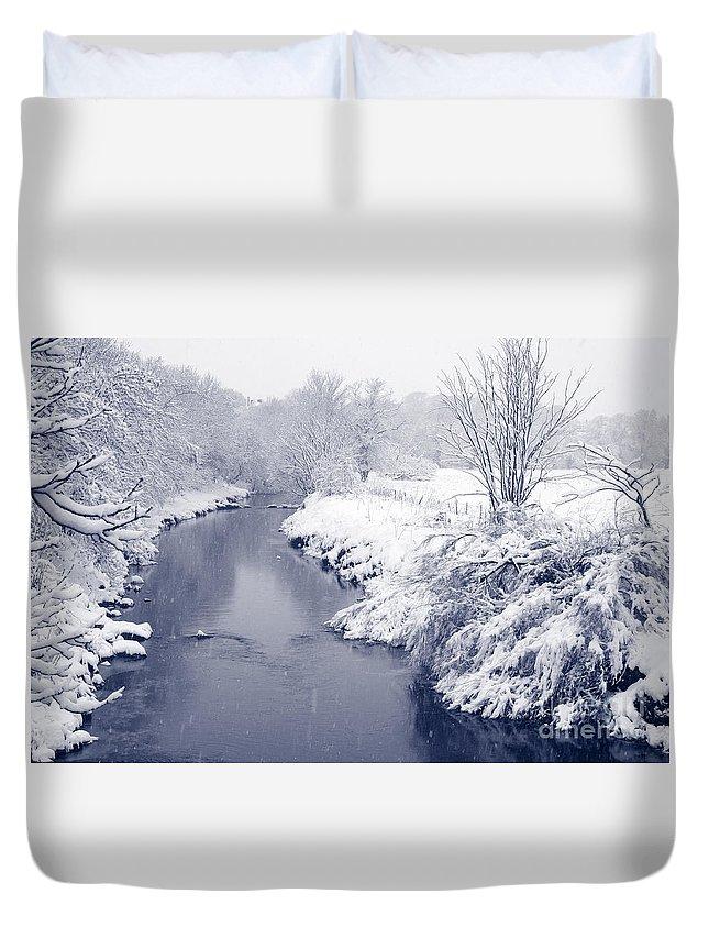 Landscape Duvet Cover featuring the photograph Winter River by Liz Leyden