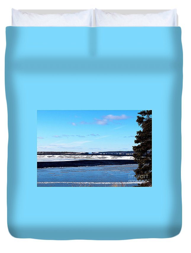 Winter Sunset On The Islands Duvet Cover featuring the photograph Winter Sunset On The Islands by Barbara Griffin