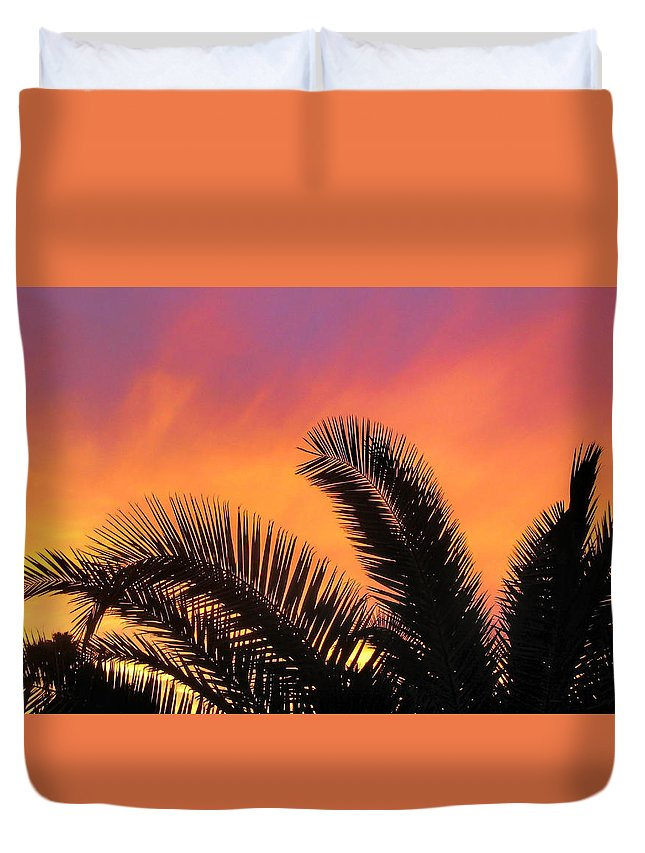 Palm Tree Duvet Cover featuring the photograph Winter Sunset by Tammy Espino