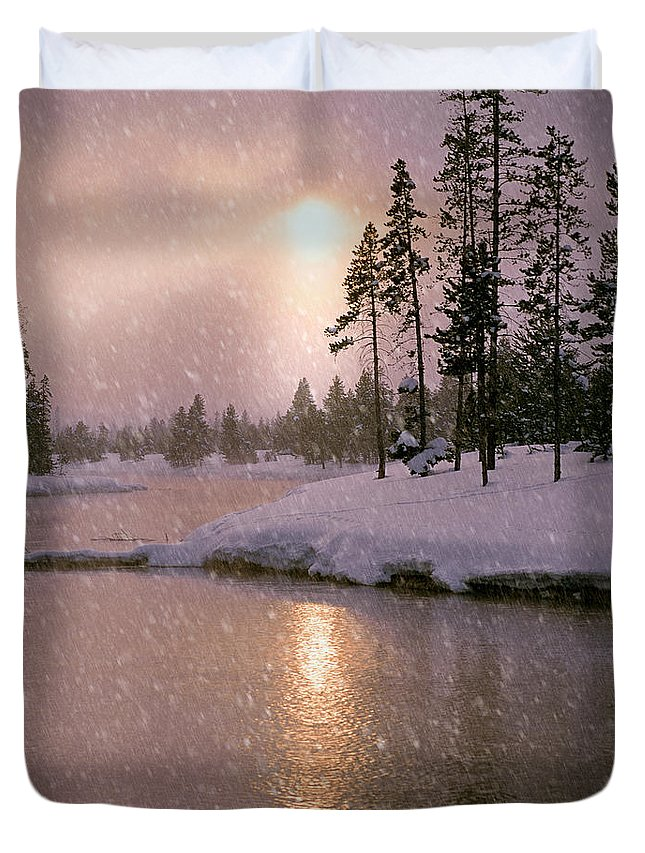 Idaho Duvet Cover featuring the photograph Winters Light by Leland D Howard