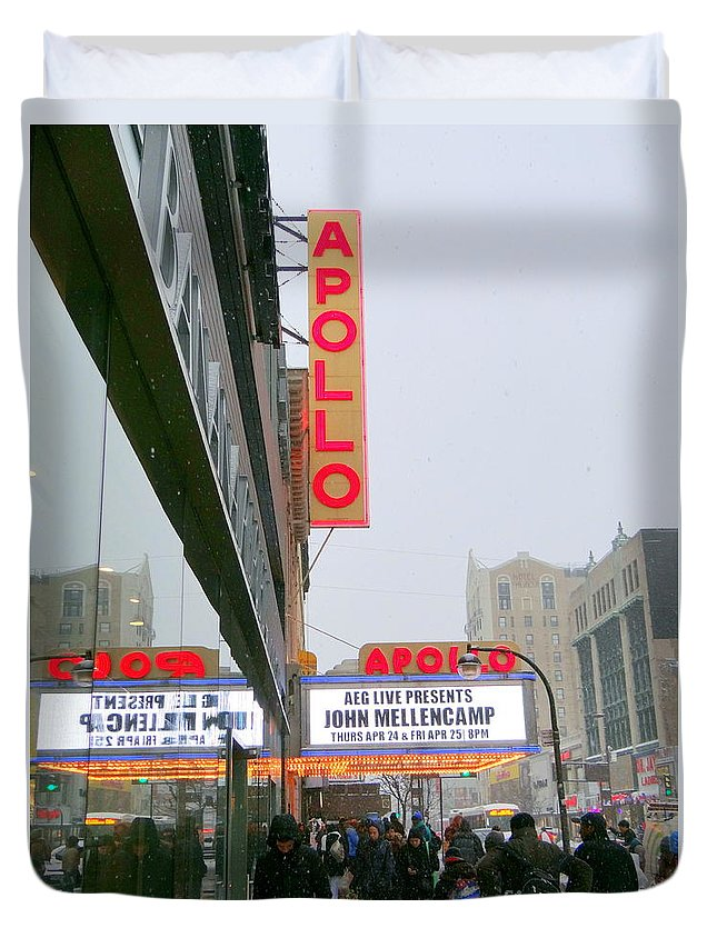 The Apollo Theater Duvet Cover featuring the photograph Wintry Day At The Apollo by Ed Weidman
