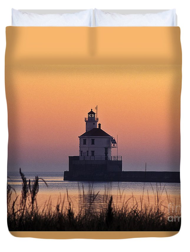 Wisconsin Duvet Cover featuring the photograph Wisconsin Point Lighthouse - Fs000216 by Daniel Dempster