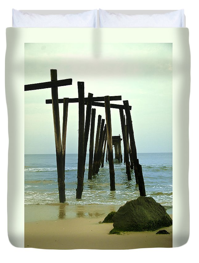 Without Duvet Cover featuring the photograph Without Pier by Bill Cannon