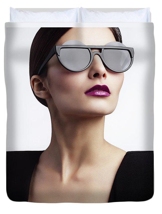 Cool Attitude Duvet Cover featuring the photograph Woman With Trendy Eyewear by Lambada