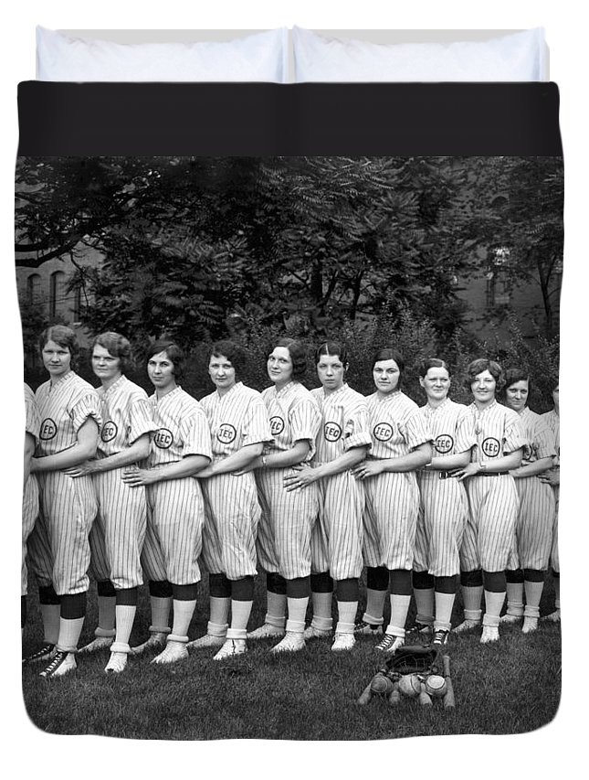 1035-478 Duvet Cover featuring the photograph Women's Baseball Team by Underwood Archives