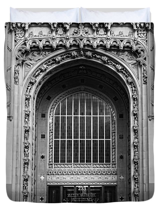 Woolworth Duvet Cover featuring the photograph Woolworth Building Entrance by James Aiken