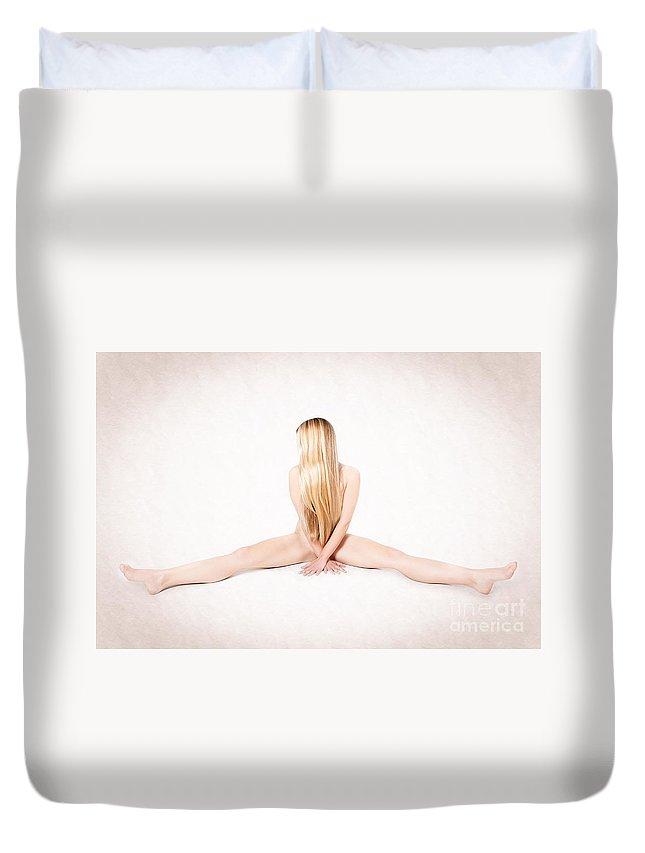 Woman Duvet Cover featuring the photograph Workout by Jochen Schoenfeld