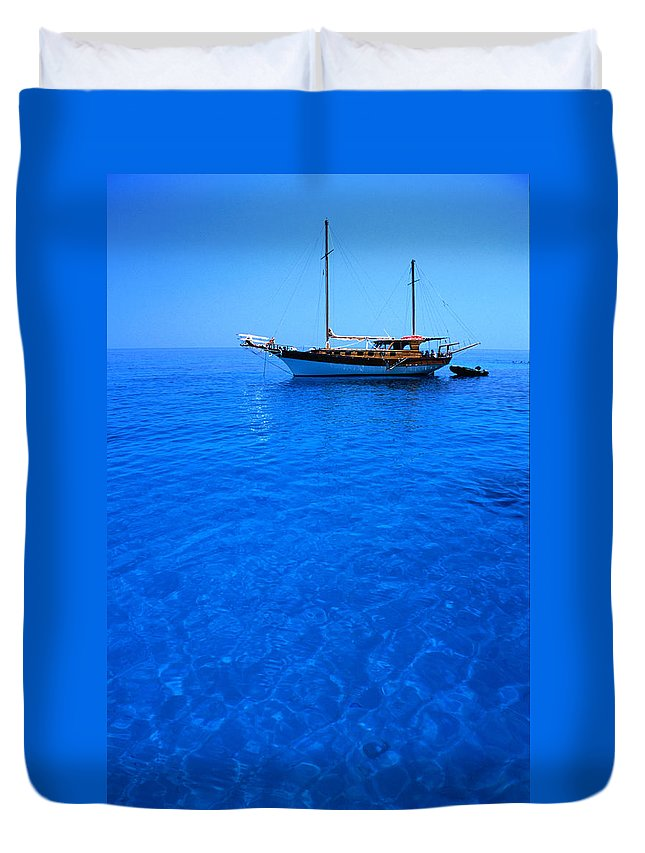 Freight Transportation Duvet Cover featuring the photograph Yacht Anchored In The Spectacular by Dallas Stribley